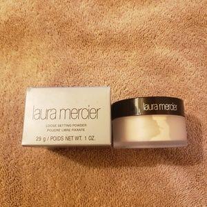 Brand new laura Translucent Loose Setting Powder